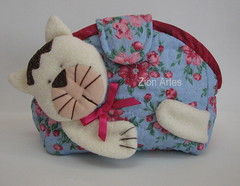 Necessaire gatinho (Zion Artes por Silvana Dias) Tags: gato patchwork necessairepatchwork zionartes necessairegatinho