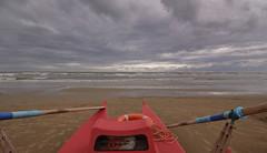 PRIMA O POI IL SOLE ARRIVA (GRAZIE PER LA VISITA) Tags: sea beach clouds boat nikon waiting barca nuvole mare perspective spiaggia attesa profondit sigma1020 nikond90