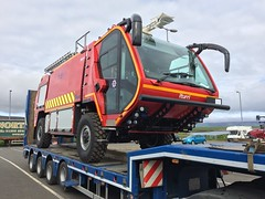 Iturri (alan g 63) Tags: airport fireappliance iturri volvo orkney lowloader heavyhaulage heddle