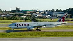 Boeing 777-2DZLR A7-BBA Qatar Airways (Gustavo_Spotter) Tags: brazil photography airport saopaulo aviation airplanes boeing avio aviao qatar aviao gru avation boeing777 b777 aviacao aeronave aeronaves gruairport