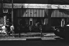 (Hagme) Tags: blackandwhite cafe taxi 35mmfilm osaka