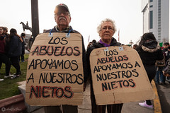 Los abuelos... 5 aos despus (AriCaFoix) Tags: chile santiago students march education protest protesta elderly abuelos marcha ancianos estudiantes educacin