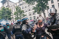 Paris - Grve Gnral (Melissa Favaron) Tags: paris france riot gas strike rosso francia parigi banlieue studenti sciopero clashes casseur feriti blackblok scontri lacrimogeni blesss scioperogenerale scioperonazionale grevegeneral 140616 loidutravail grevenational