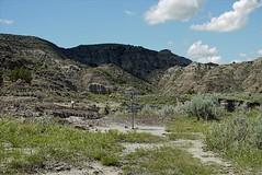 resized-P1060775 (griffinb291) Tags: montana badlands makshika