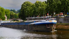 Le Marisdy sur la Sambre (Yasmine Hens) Tags: river boat europa flickr belgium ngc bateau pniche namur fleuve hens yasmine wallonie sambre world100f iamflickr flickrunitedaward hensyasmine
