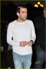 Zachery Quinto (ChingFen1214) Tags: california usa sandiego fulllength whitetshirt zacharyquinto lightbluejeans