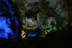 Dau Go Cave - 11 (Glen Edward McQuestion) Tags: ocean travel family sea summer nature water japan bay boat asia vietnam kyoko halongbay