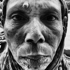 Portrait of Beggar in Banani (Shafiur Rahman) Tags: poverty portrait blackandwhite bw woman homeless cellphone samsung dhaka phonecamera bangladesh android banani excluded mobilephotography marginalised galaxynote2