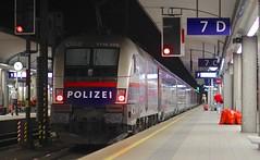 Linz Hauptbahnhof (austrianpsycho) Tags: train linz engine siemens police 7 eisenbahn railway zug bahnhof hauptbahnhof locomotive werbung taurus bahn hbf polizei 250 lokomotive lok oebb elok 1116 2502 werbelok elektrolok elektrolokomotive linzhbf railjet 1116250 linzhauptbahnhof öbb öbbrailjet 11162502