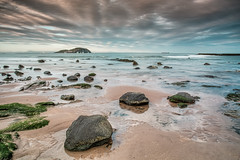 Clearing up (Damon Finlay) Tags: seascape landscape scotland north east northberwick berwick fujinon uji lothian eastlo