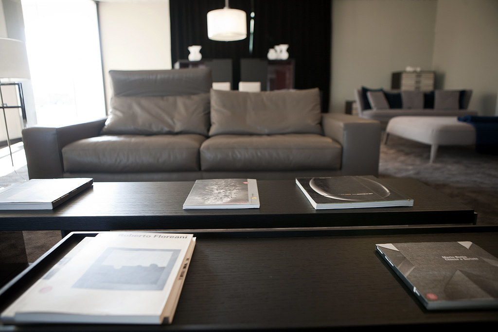 The world 39 s best photos of designoutlet flickr hive mind for Minotti outlet italy