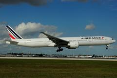 F-GSQD Air France) (Steelhead 2010) Tags: mia boeing airfrance freg b777 b777300er fgsqd