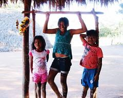 Aldeia Quatro Cachoeiras (fergprado) Tags: travel brazil brasil kids children culture crianas cultura tribo indigenous aldeia chil ndio idigena