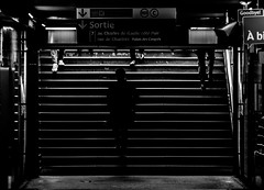 Metro Porte Maillot (::nicolas ferrand simonnot::) Tags: street white black paris vintage lens photography prime metro mount german porte manual f4 maillot 135mm schneider retina | 2016 telexenar dkl kreuznarch