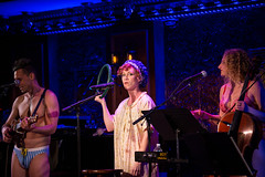 IMG_2509 (Cherie B. Tay) Tags: nyc concert ukulele 54below theskivvies