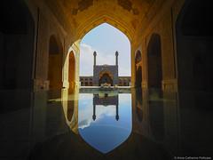 La merveilleuse grande mosque d'Ispahan (Helvetic Wanderlust) Tags: travel iran persia olympus esfahan omd em5
