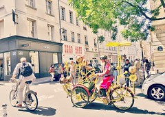 Yes, yes..une photo !!! (France-) Tags: street city man paris france bike bicycle yellow metal jaune explore 69 rue ville vlo homme 609 ruevieilledutemple exploremay182016