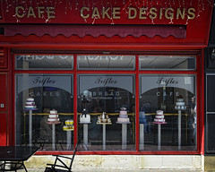 Cakes (JEFF CARR IMAGES) Tags: northwestengland towncentres grmanchester