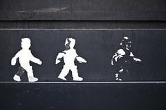 Trois hommes sur un mur (Gerard Hermand) Tags: street streetart paris france art canon paper pasted rue papier coll unstuck dcoll eos5dmarkii formatpaysage gerardhermand 1606202597