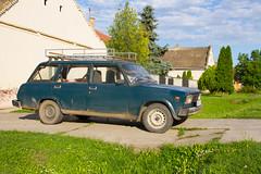 Driveway. (mathematikaren) Tags: car village serbia driveway balkans easterneurope vojvodina roofrack donauschwaben ravnoselo schowe vojvodenia