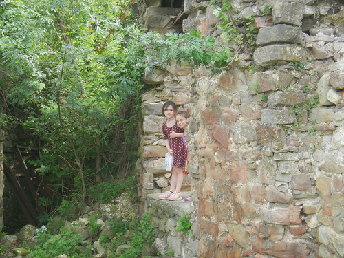 Liesl and Luciana at the Old Fortress in Tarnovo, Bulgaria