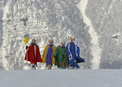 Sternsingen_Hinterstoder9 (Katholische Jungschar sterreichs) Tags: schnee sonne sternsingen sternsinger oesterreich oberoesterreich skifahrer hinterstoder ooe heiligedreiknige hss sternsingerin