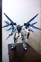 LEGO Freedom Gundam ZGMF-X10A [Demo] (demon14082001) Tags: mobile freedom robot perfect lego seed grade suit creation destiny gundam mecha moc trng zgmfx10a nn
