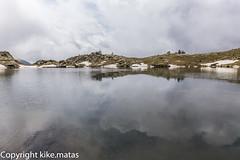 Estany Esbalat, Principat d'Andorra (kike.matas) Tags: canoneos6d kikematas canonef1635f28liiusm estanyesbalat ordino andorra andorre principatdandorra pirineos paisaje lago agua reflejos nature nubes nieve canon lightroom4
