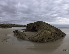 esperando (izaguirrepeter) Tags: nikon nikond610 d610 tokina tokina1628mm asturias playa amanecer hdr gran angular paisaje panorama