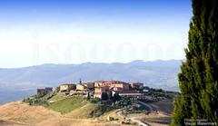 20160704_crete_senesi_siena_tuscany_999i9 (isogood) Tags: italy landscapes horizon country scenic tuscany crete siena cretesenesi asciano senesi