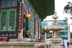 Jogyesa Temple (Brian Aslak) Tags: city urban temple shrine asia korea seoul southkorea jongno   jogyesa