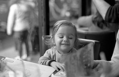 Amlie (Amelien (Fr)) Tags: blackandwhite bw film monochrome rollei analog zeiss 50mm nikon noiretblanc kodak 14 hc110 nb 200 epson f3 amc argentique 131 v550 planar 2016 pellicule 50f14 superpan dilutionb filmisnotdead homescanned believeinfilm capturedonrealfilm