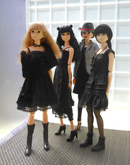 they want more black outfits (maggimini) Tags: black fashion blackcat twilight handmade ccs fiance sekiguchi momoko petworks toomuchtooyoung honeywild