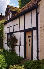 Timbered. (dlanor smada) Tags: uk england chilterns gb bucks wendover