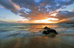 Maui Sunset (Pamela Winders) Tags: ocean sunset seascape hawaii pacific wave maui