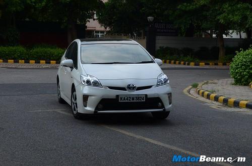 2013-Toyota-Prius-45