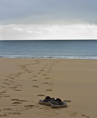 Foot Prints (gazjeavons) Tags: sea beach water canon sand footprints canoneos60d