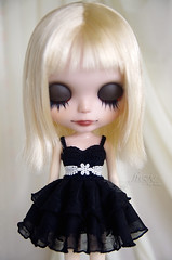 Black ruffle dress for Blythe