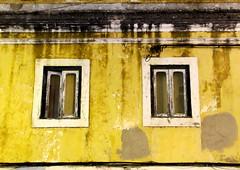 (Sylvain.n) Tags: windows white black portugal yellow wall facade jaune canon noir painted ixus mur peint fentre blanc faade fenetre ixsus ixus230hs elph310 elph310hs