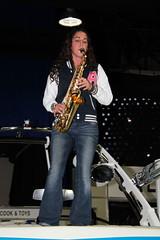BigToys_419 (Pancho S) Tags: girl chica expo sax saxophone expos saxophoneplayer saxofonista saxsofon bigtoysexpo