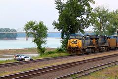 Csx 63 leads a WB freight next to the Missouri river. (Machme92) Tags: railroad water up sub union police rail trains missouri rails railroads csx railfanning railfans unionpacifc