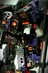 The Fallen (Clement Soh) Tags: chaos transformers fallen paladin maketoys