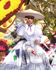 Cool Shade (Prayitno / Thank you for (10 millions +) views) Tags: california ca school roses sun college glass floral girl beautiful beauty sunglasses rose dark glasses la costume los high cool pretty dress angeles traditional decoration young parade made tournament teen shade bonita sombrero latina pasadena custom float hermosa entry hs 2014 konomark
