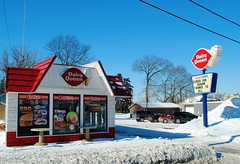 Dairy Queen, Antioch Illinois (Cragin Spring) Tags: winter snow restaurant illinois midwest il icecream antioch dairyqueen 2014 antiochillinois lakecountyil antiochil