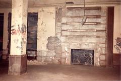 Lounge (CityOfDave) Tags: nyc newyorkcity abandoned urbanexploration urbanruins rooseveltisland abandonedbuilding welfareisland centralnursesresidence