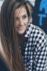 Raquel C. - 09 (G. Goitia) Tags: light portrait cute luz beautiful look canon photography book outfit cool model pretty gente modeling retrato gorgeous moda noflash modelo portraiture shooting framing mirada guapa ritratto exteriores fotografa actitud airelibre sesin encuadre modella reportaje sinflash luznatural iluminacinnatural