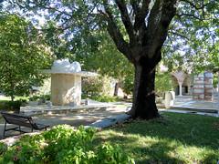 Cour de la mosque, Dzce (Raymonde Contensous) Tags: turquie dzce seferihisar mosques mosquededzce