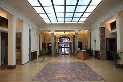 Confluent des Savoirs (cdsunamur) Tags: architecture belgium belgique bureau universit workplace cds namur banque unamur cdsunamur