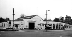 Boltons of Ipswich Austin/Vauxhall mid-late 1960s? (Spottedlaurel) Tags: austin bedford garage 1960s castrol esso vauxhall petrolstation farina a55 starsoftheshow boltonsofipswich bentleytowerhotel