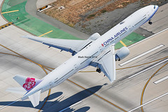 China Airlines Boeing 777-3 B-18055 (Mark Harris photography) Tags: plane canon aircraft aviation boeing lax chinaairlines 777 spotting
